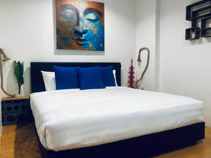 Blue room in Chaweng Noi