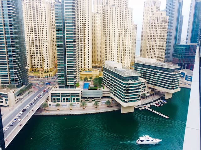 Cosy Studio Apartment in the heart of the Marina - Dubai