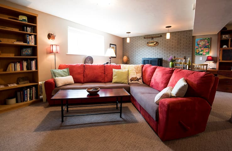 Longmont Hideaway in Boulder County Near Foothills - Longmont - Bed & Breakfast
