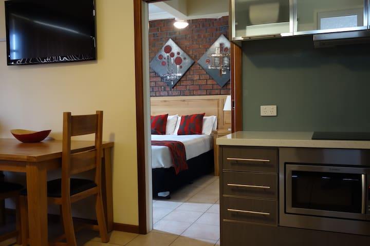 Glenelg Gateway Apartment - 1 BR - Glenelg - Apartment