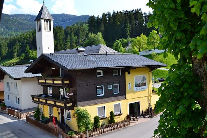 Pension Haus Rohrmoser 7(Doppelzimmer mit Balkon)