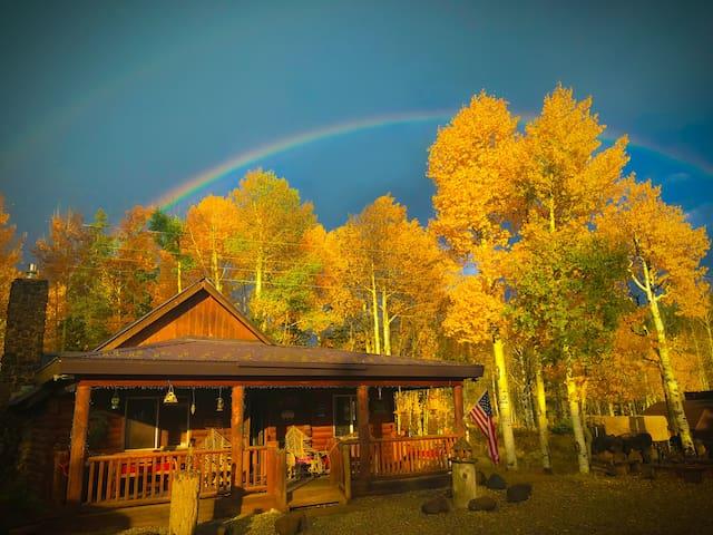 The Lake House Cabin - Sleeps 8