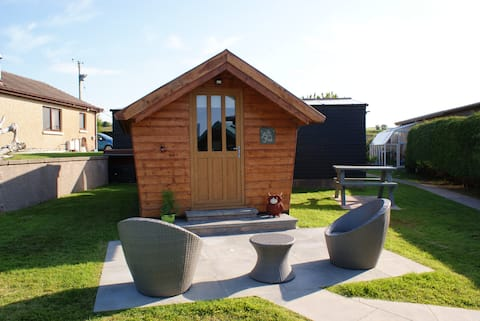 The Paca Pod - Glamping with Alpacas - Indoor Pool