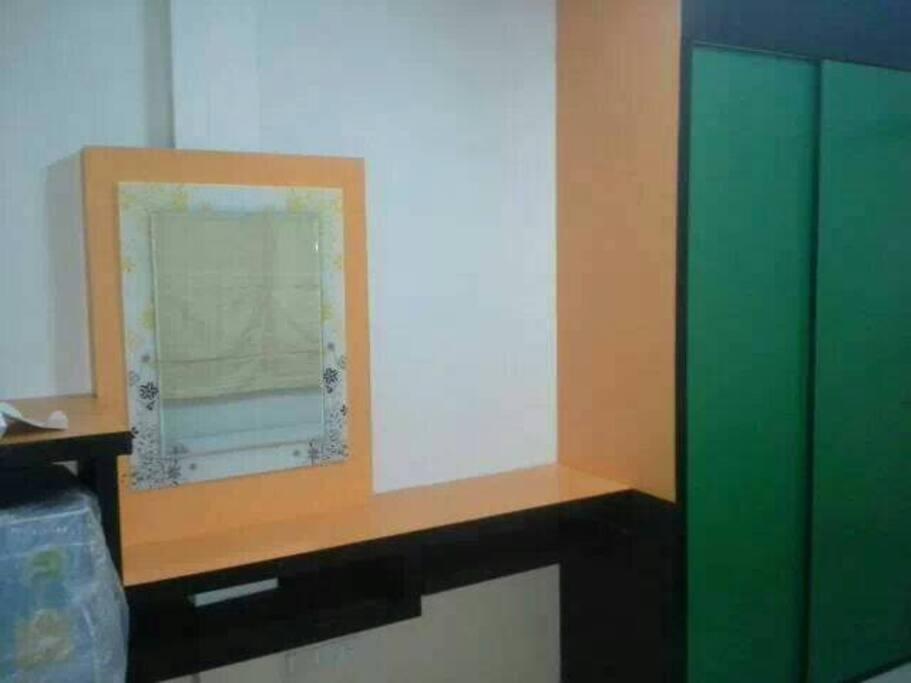 ภายในห้อง (ตัวอย่างห้องสีส้ม)