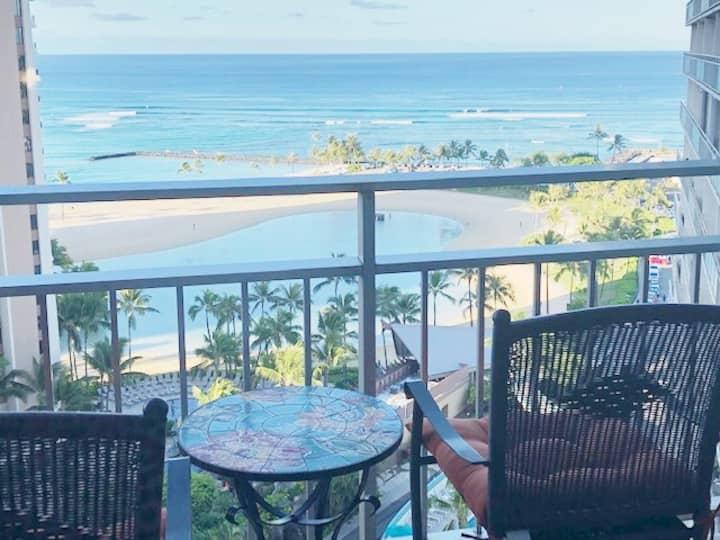 Amazing Waikiki Beach Views!!