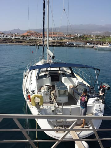 Spacious 49 ft sailboat at dock. Walk to town. - Santa Cruz de Tenerife - Barca