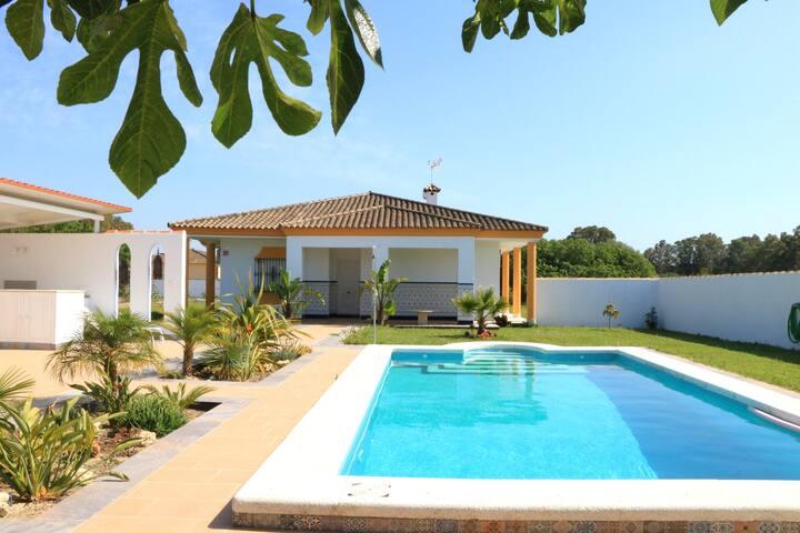 """""""NEU"""" Landhaus  mit  schönem Poolbereich und Sauna"""