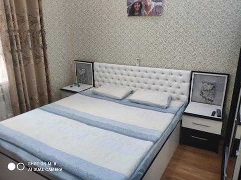Прекрасная, современная, уютная квартира в шаговой доступности от международного аэропорта. Есть все необходимые удобства и наше гостеприимство