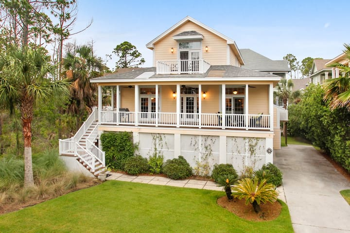 Second Row Beach House with Oceanview