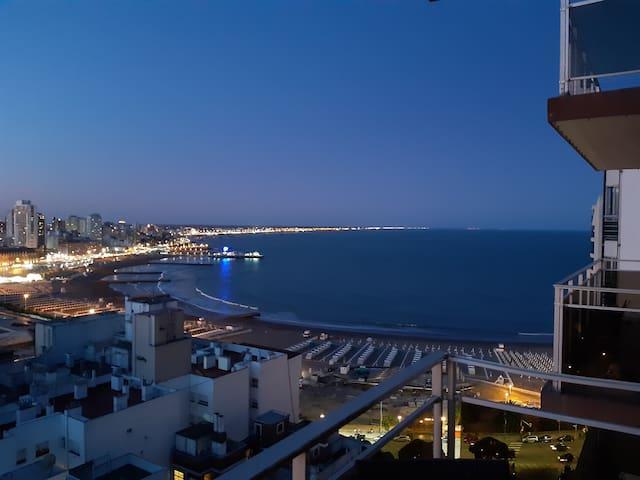 Depto con vista al  mar, único! Zona Guemes!