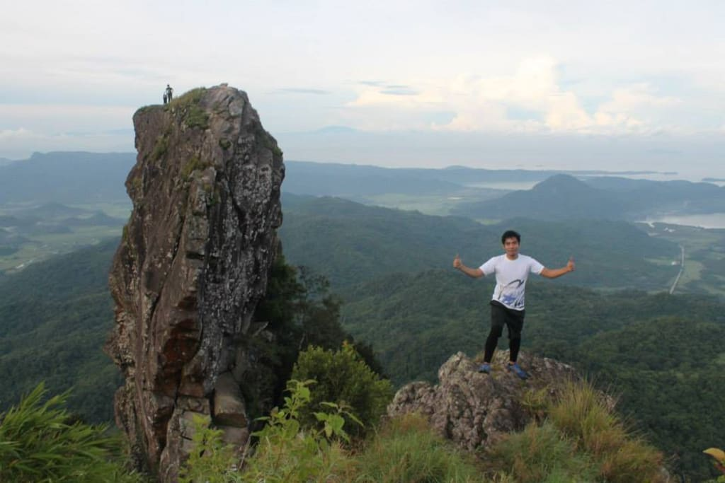 Pico de Loro and National Park close by.