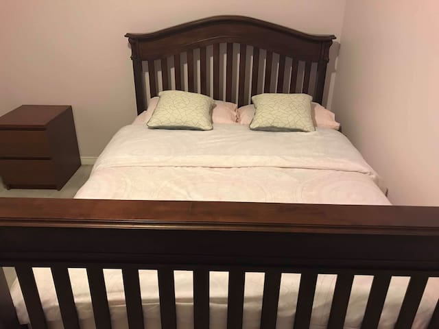 Cozy Double Bed (JUNCTION AREA) $0 Cleaning Fee