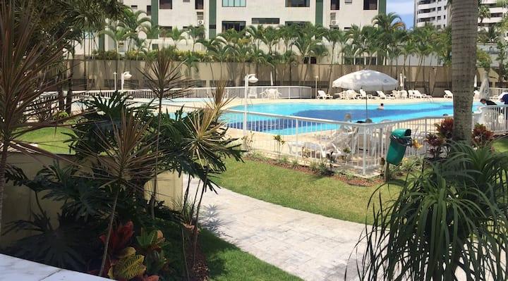 Delicioso apartamento (flat) a 150 m da praia