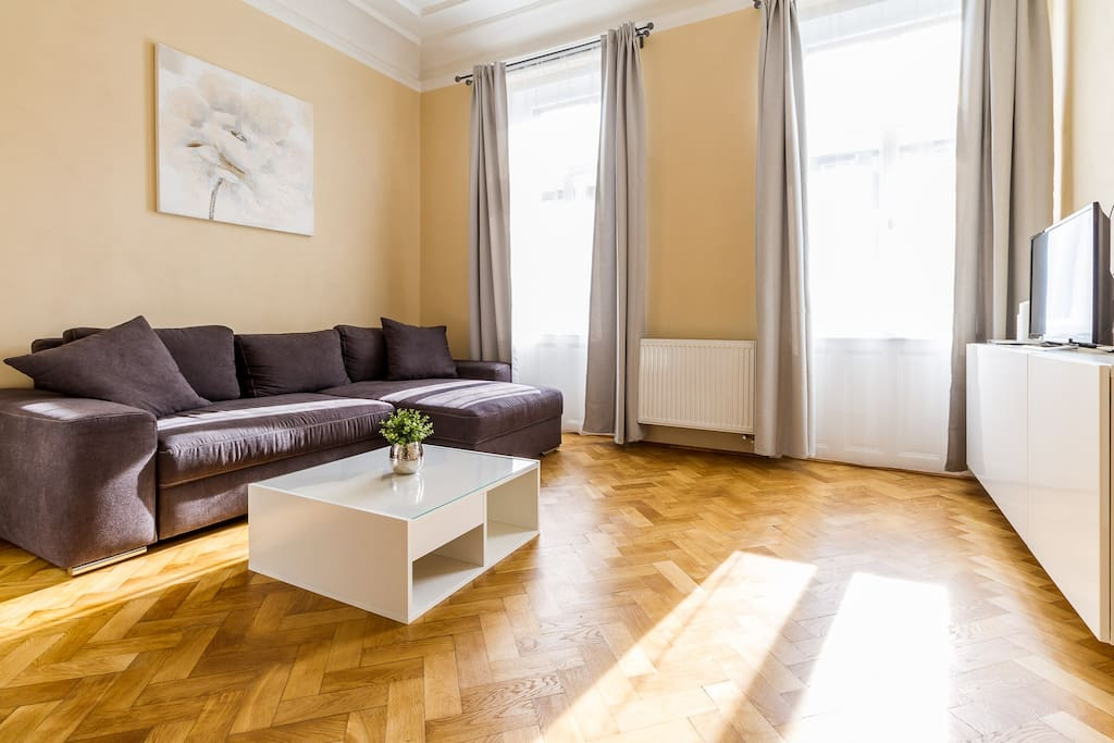 Luxury new apartment prague castle gastsuites te for Designer apartment prague