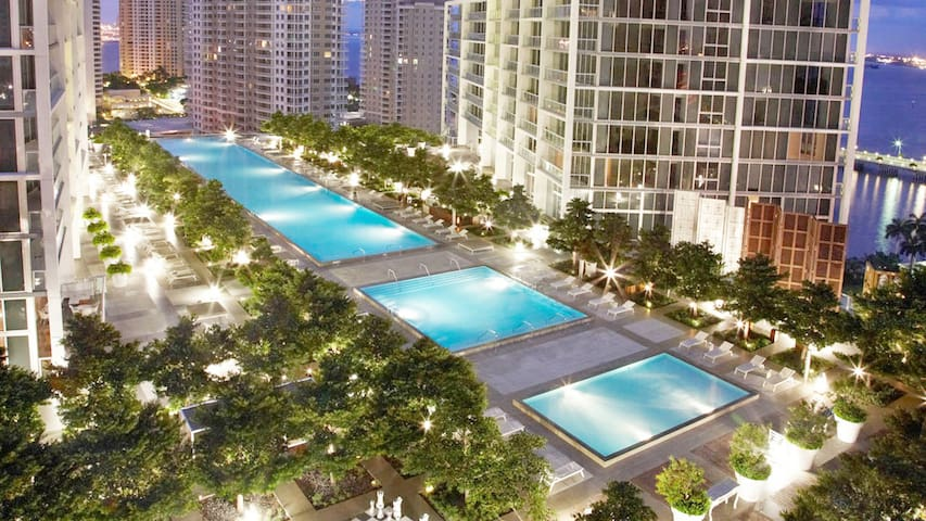 NEW Brickell 1b/1b Suite with amazing bay view