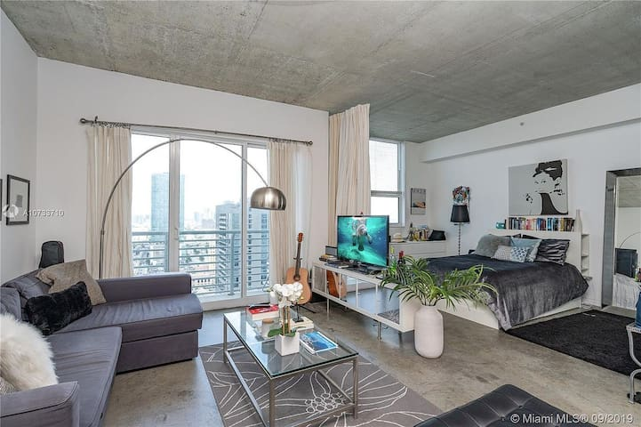 Miami Downtown Loft for digital nomads