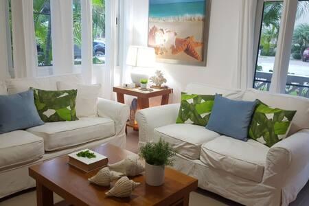 Lovely San Marino Beach Residence
