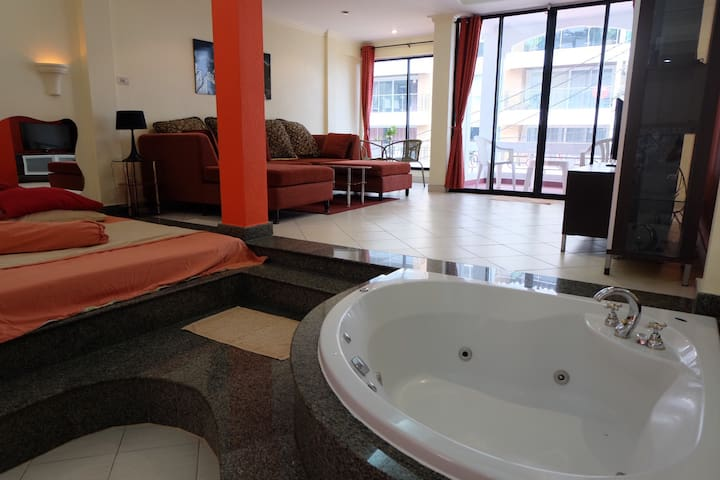 Large room with Jacuzzi 303