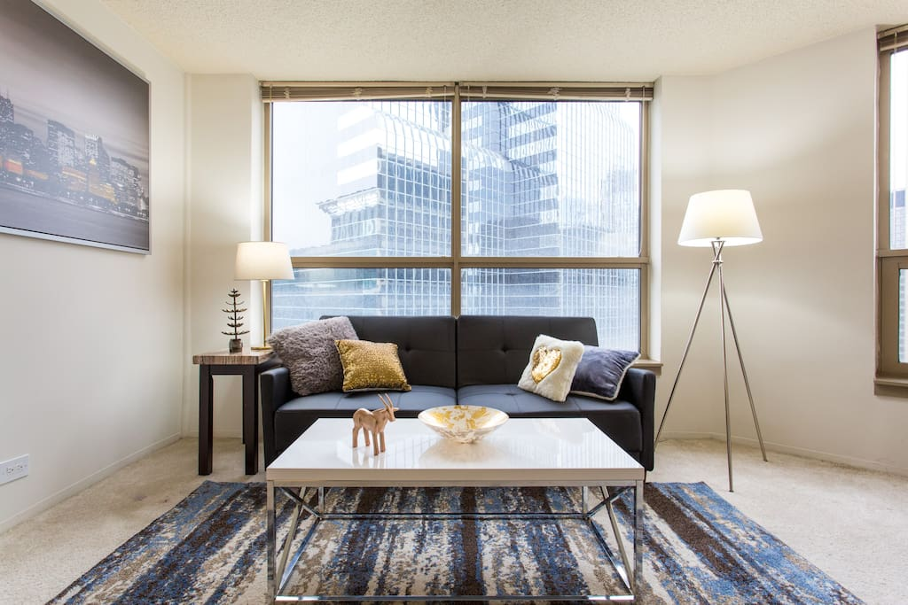 kelly 39 s beautiful spacious one bedroom in downtown