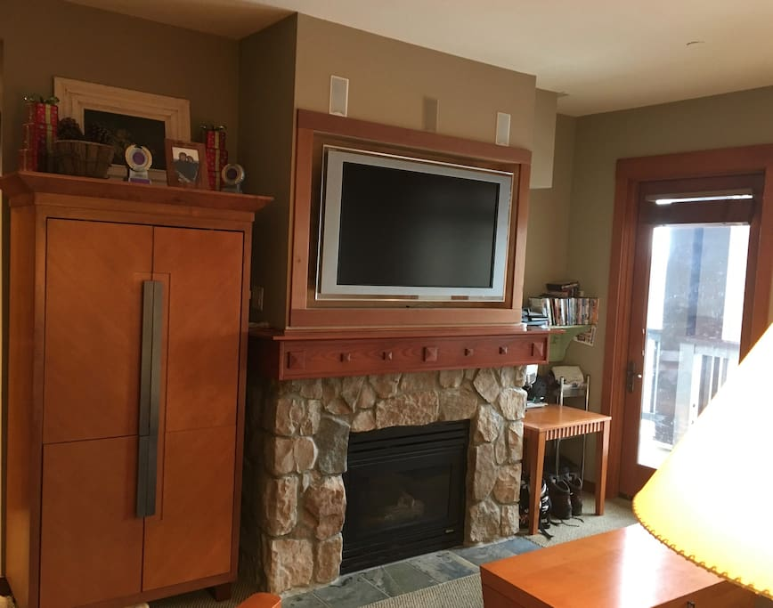 Living Room- TV and Fireplace