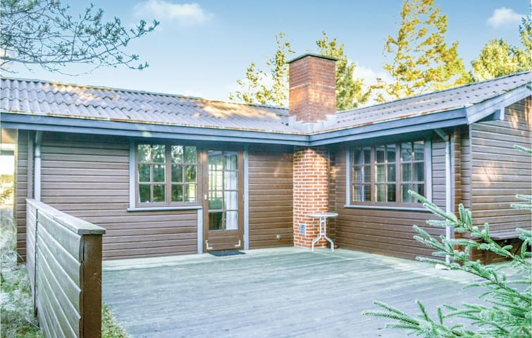 Holiday cottage with 2 bedrooms on 60m² in Ålbæk