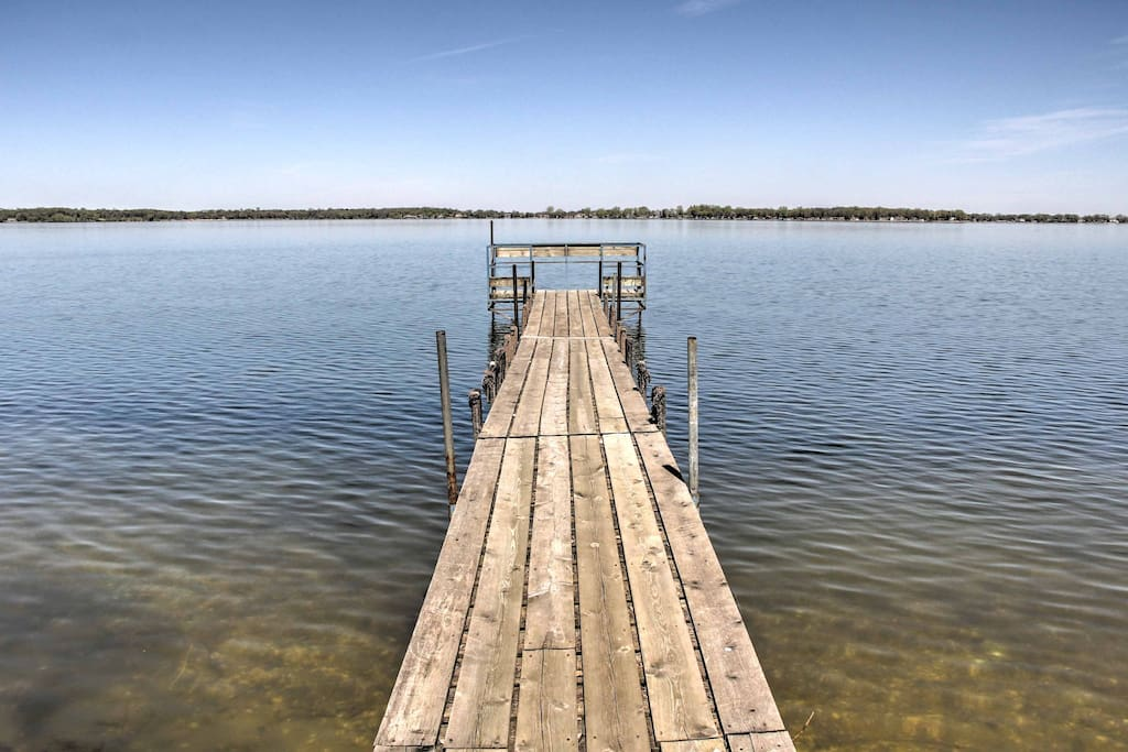If you're visiting Minnesota, it only makes sense to stay on one of the state's 10,000 lakes!