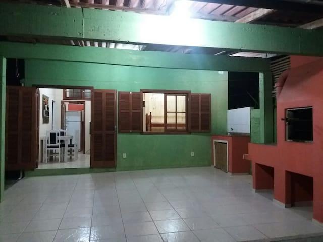 Casa com 2 quartos, garagem na Praia dos Ingleses - Florianópolis - House