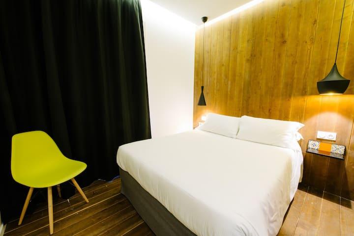 """Room """"LISBOA"""" inspiration, free SPA & GARDEN acces"""