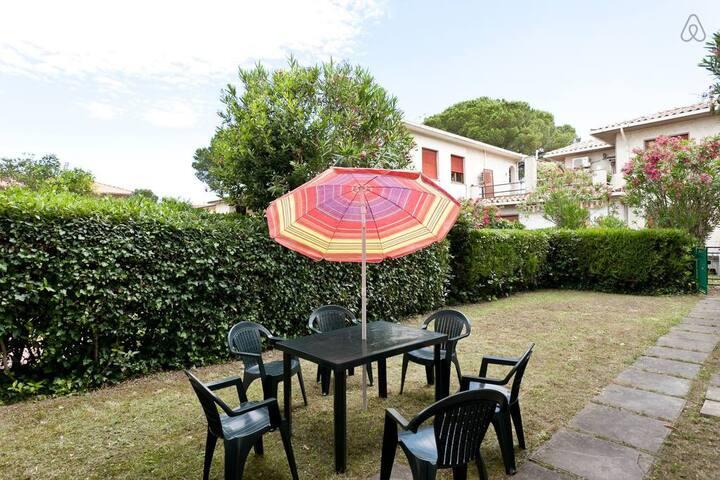 Casa con giardino a Marina di Castagneto Carducci