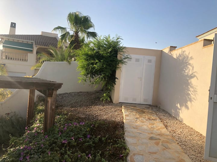 Villamartin golf town house 3km from beach