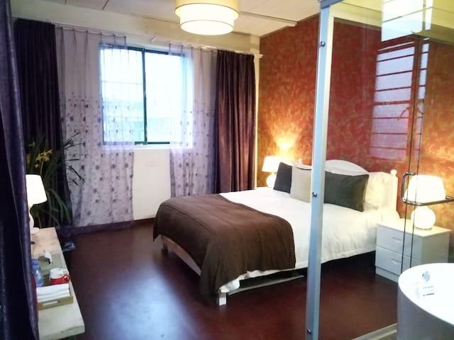 private room in the corner of love