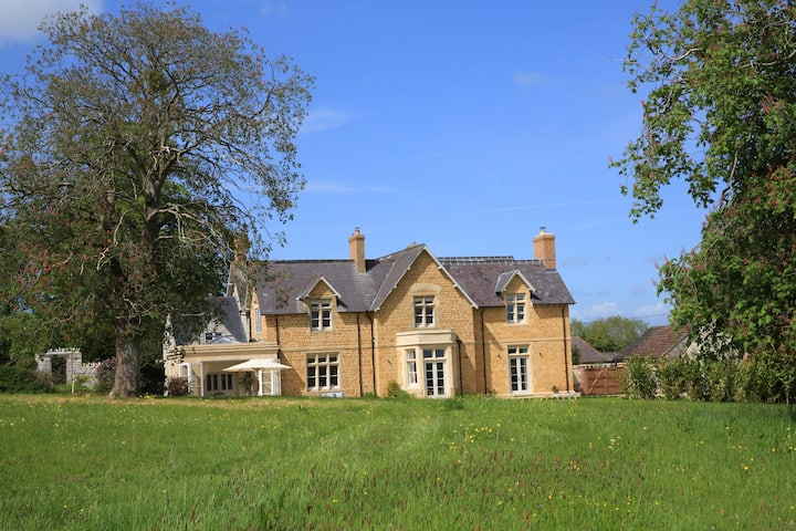 Stunning country house near Bruton, Somerset