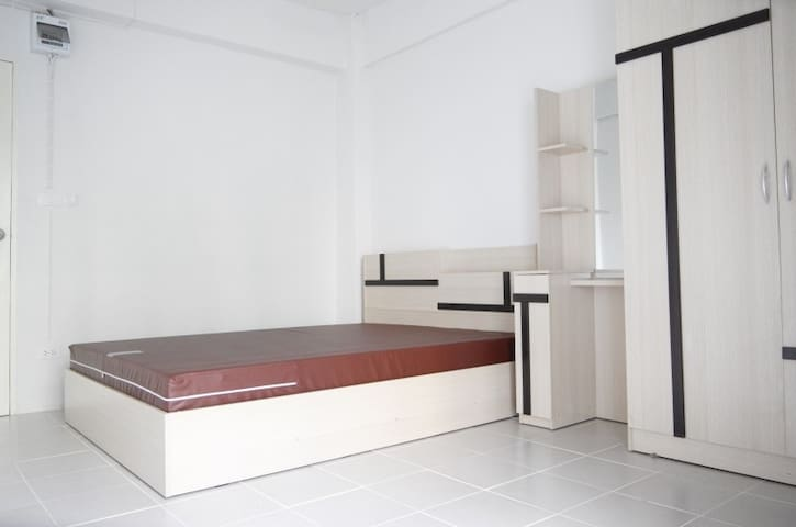 SPECIAL OPENING PRICE stay at brand new apartment! - Bang Toei - Apartemen
