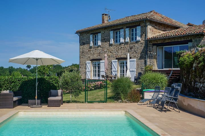 Gorgeous Holiday Home in Saint-Beauzile with Private Pool