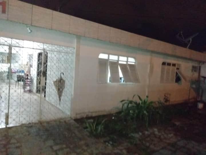 casa Brisamar 4 quartos  compartilhados