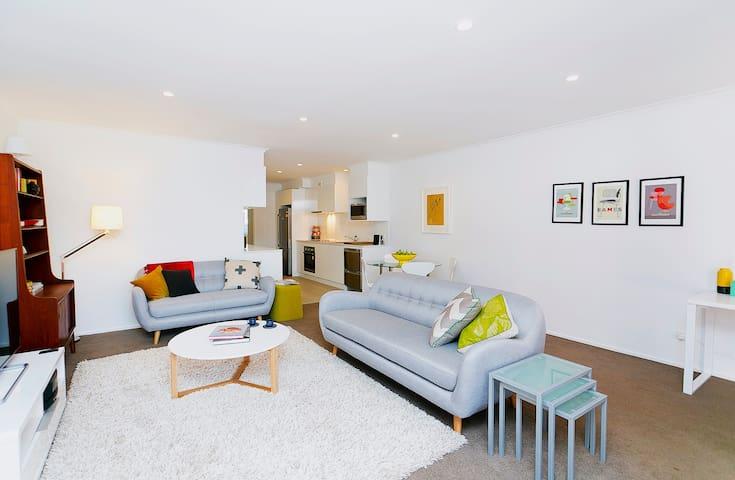 Your Canberra home -- bars, cafes, restaurants - Turner - Apartamento