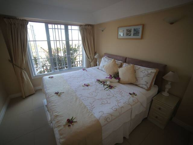 King size double bed  or twin  Fully Air condition with stunning Views