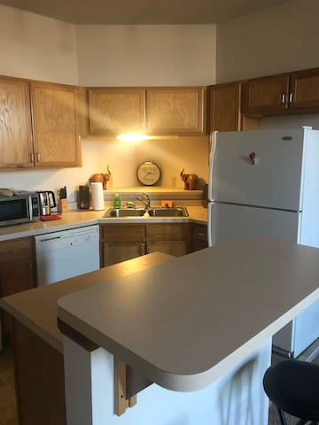 Exclusive 2 bdrm Loft  Unit Downtown Milwaukee WI