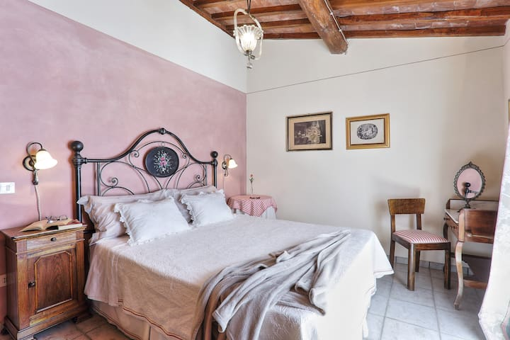 double bedroom on the second floor with panoramic view (bedroom n. 3)