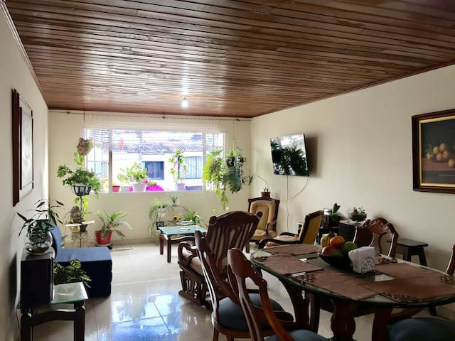 Spacious and cozy rooms 7 min from the airport - Bogota - Dom