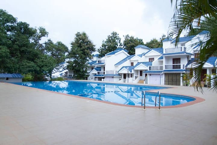 HomeAgain @ 2bhk poolvilla C4 - Siolim - Appartement
