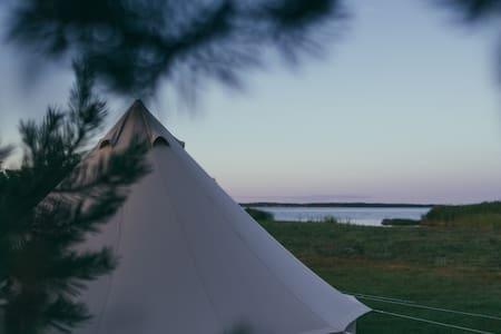 Luksuslik telk mereääres/Luxurious Tent by the Sea