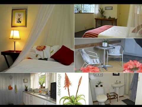 Aloe Cottage - Private Self Catering Apartment