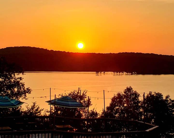 Bull Shoals Lake Cabin 2 - Sunset on the Shoals