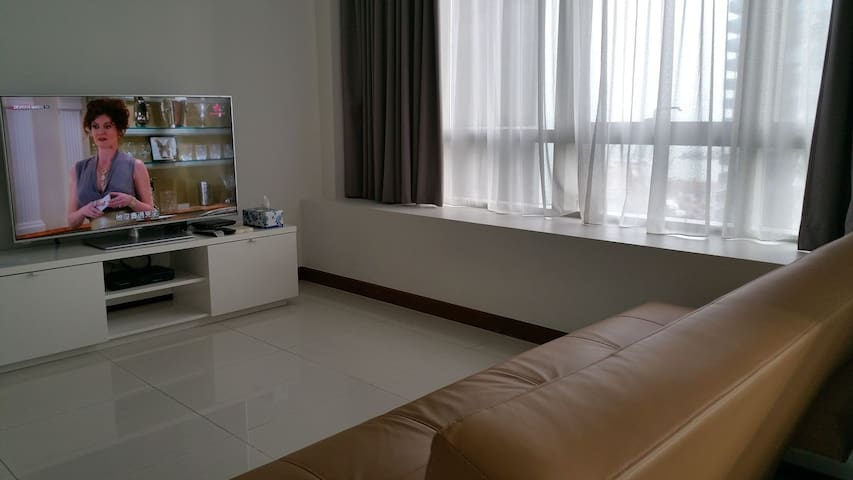Premium Marina Bay Finance Asia Square Apartment