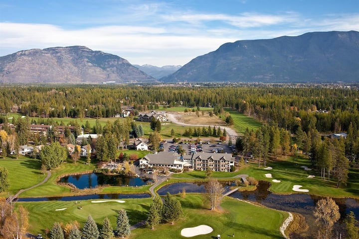 Meadow Lake Golf Resort 1BR Suite, SUNDAY Check-In