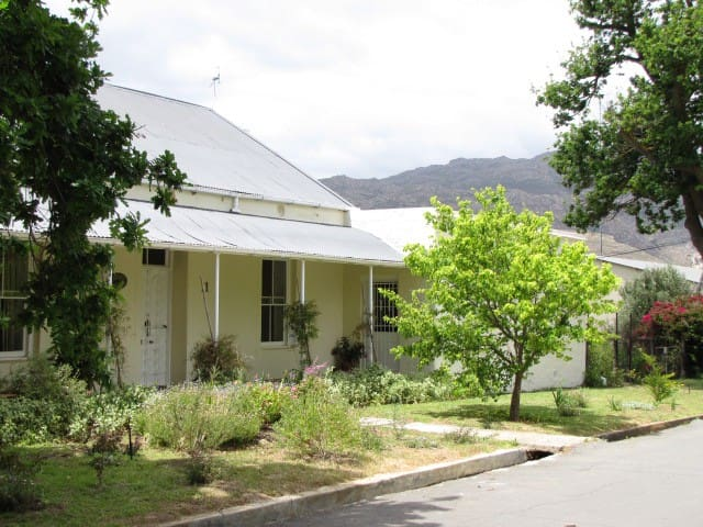 Separate wing of Victorian house - Villiersdorp