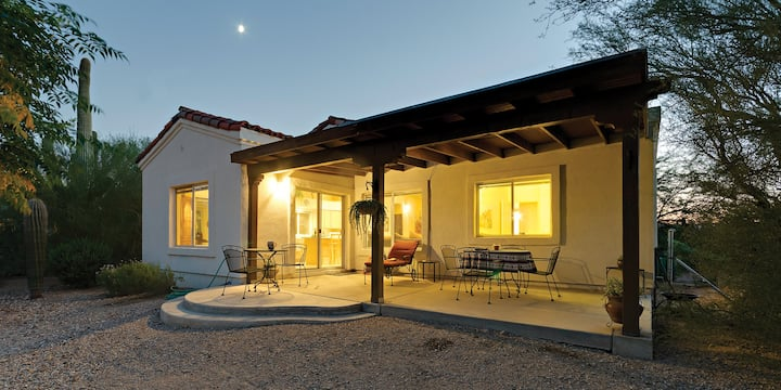 Charming Southwest-Style Guesthouse with Mt Views