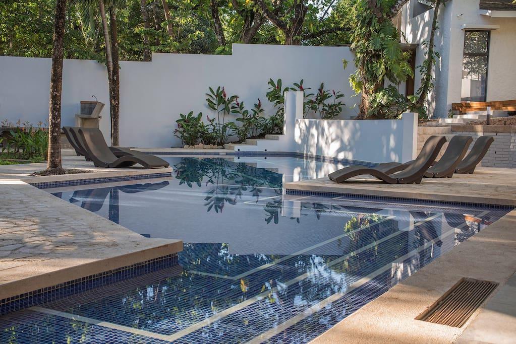 75 m2 pool