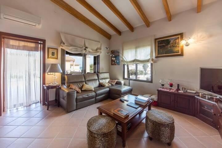 Casa chalet con encanto a 100 metros del mar - Son Serra de Marina - Chalet